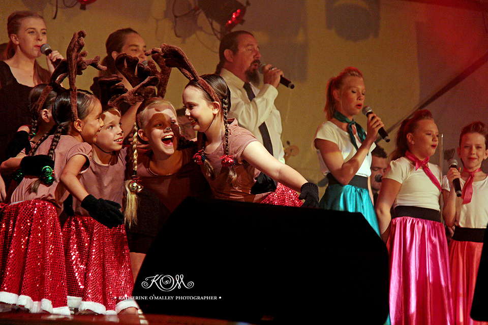 Bracken Ridge Christmas Carols © katherine o'malley, 2014